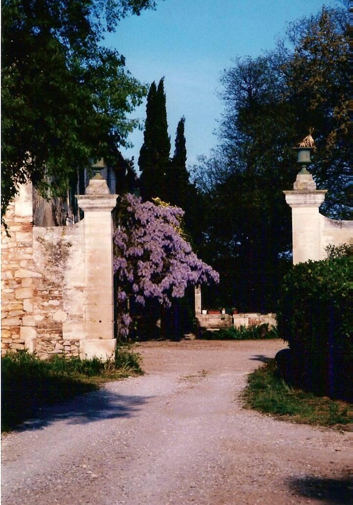 studio avec piscine à 5 km Nîmes centre