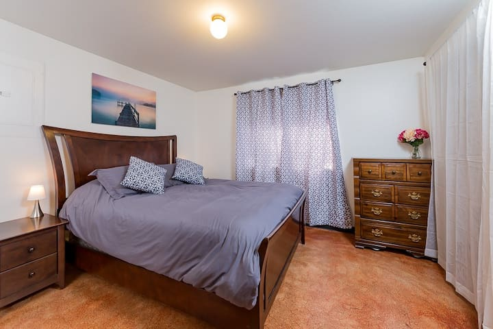 Cozy 2 Bedroom Home in Historic Downtown Snoho - Snohomish
