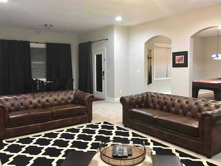Private Traditional Style Walkout Basement Suite