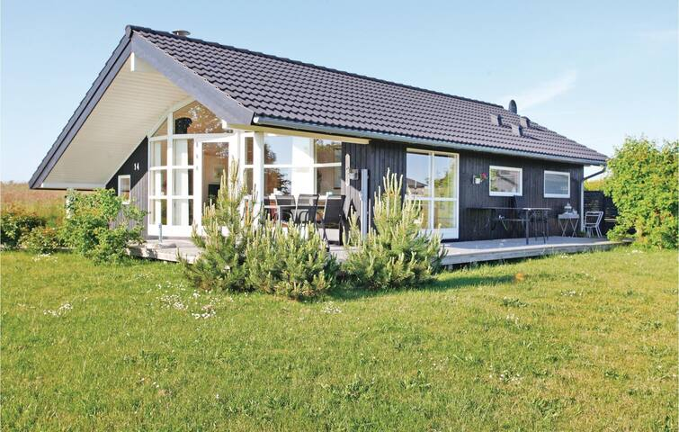 Holiday cottage with 2 bedrooms on 65m² in Slagelse