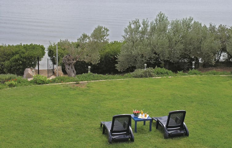 Holiday apartment with 2 bedrooms on 55m² in Ermioni