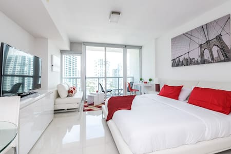 Waterfront Spacious Luxury Studio at IconBrickell