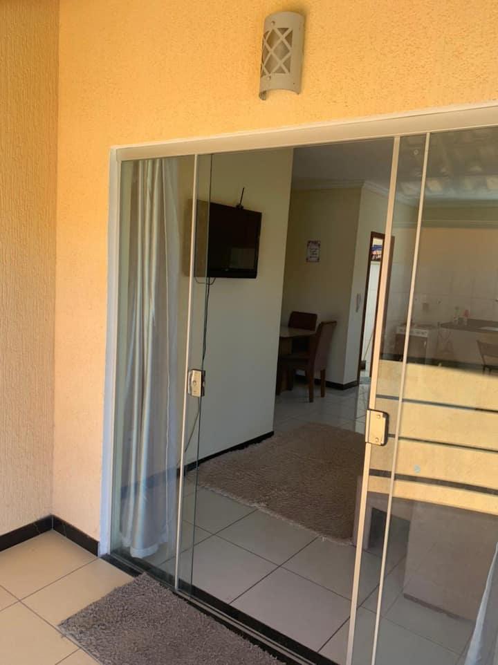 Apartamento mobiliado no Centro de Porto Seguro.