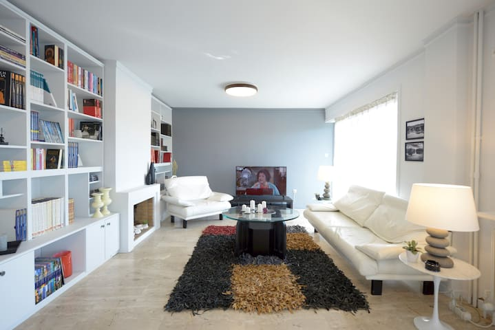 NEW SUPERB & LUMINOUS 2BDR APARTMENT