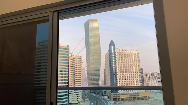 Studio with a Top View (Canal & Burj Khalifa)
