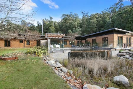 Stony Creek Secluded Earth Home