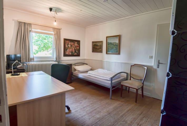 Jagdhaus Renningen Zimmer Stube - Renningen - Hus