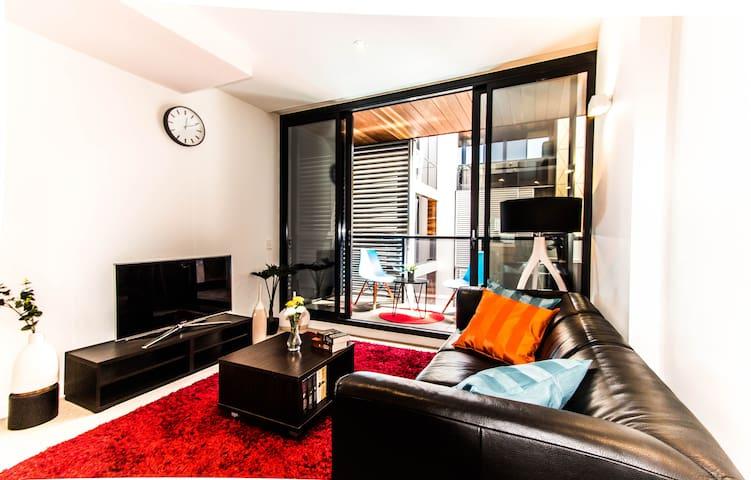 Stunning 2 Bed CBD Apart on Flinders + NETFLIX