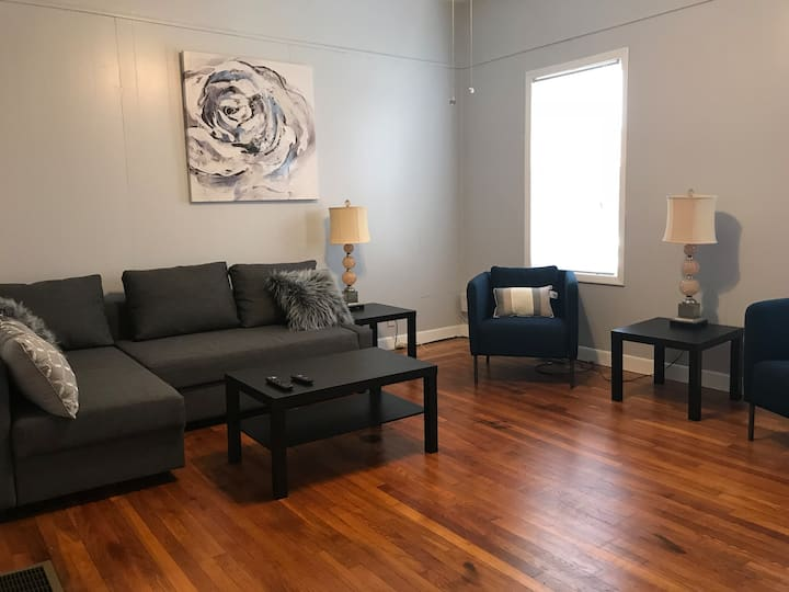 2- Bedroom Close to Down-town on Federal Hill