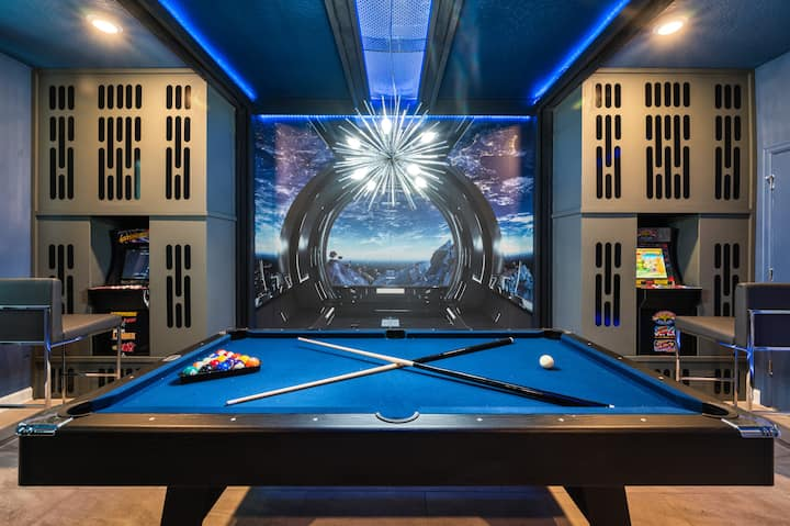 Private Pool Villa w/ GAME room and FREE waterpark
