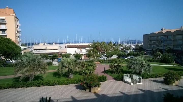 Hyères,Studio vue sur mer et port, 4 personnes,