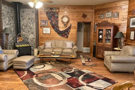 1886 Twin Cedars, LLC,  Weatherford, TX, 2 Bdr. +