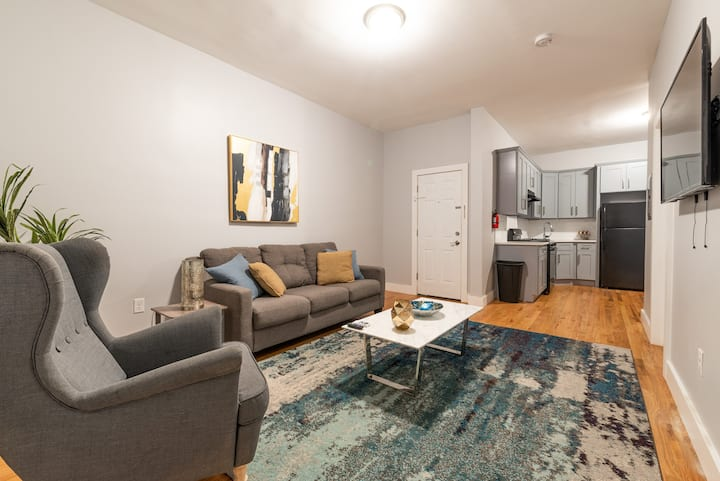 Ground Floor 3 Bed 1 Bath Sleeps 6 | 20 Min NYC