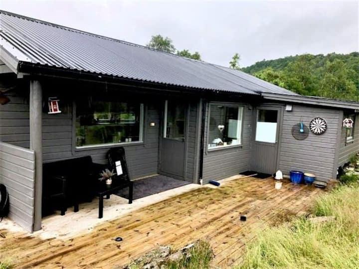 Fantastisk hytte med fiskemuligheter i Bjerkreim