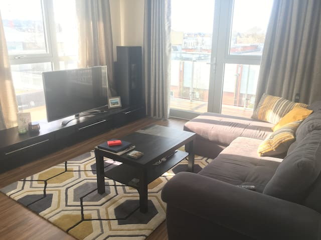 Spacious & bright 1-bedroom appartment available! - Edgware - Apartmen