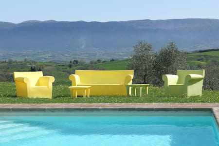 Beautifully restored villa in Italian countryside - Todi - Vila