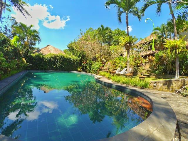 Cozy Balinese Style Anom Cottage
