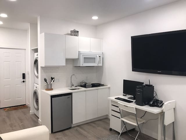Modern Private Micro Suite - Vancouver - Gästesuite