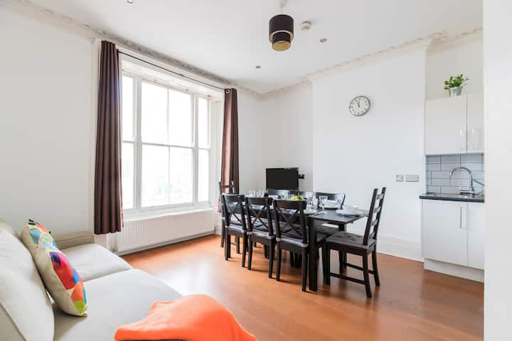 Perfect 3bedroom home near Regents Park