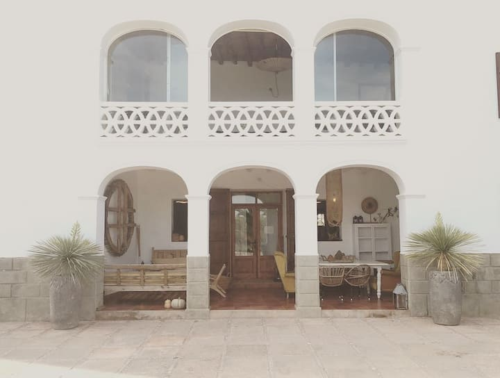 Old finca with stunning property