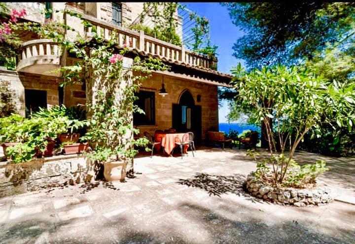 dimora in villa storica sul mare