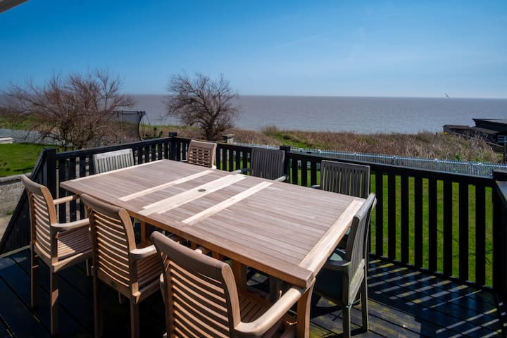 Shore Cote - Family beach house in Thorpeness