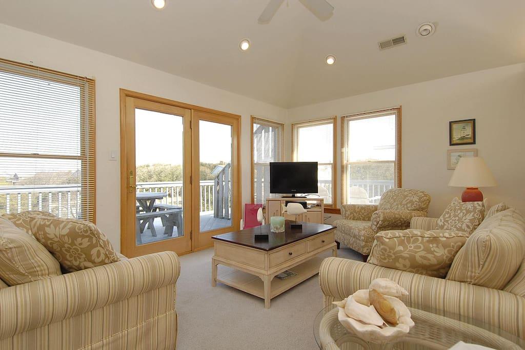 Upper Main Level,Living Area,