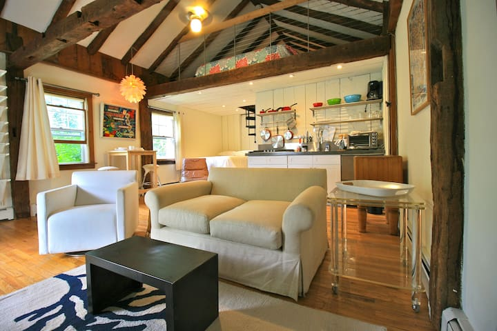 The Loft - Comfortably Furnished