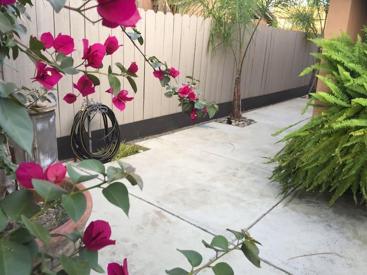 Modesto, CA 2 br Peaceful 1 level Garden Condo