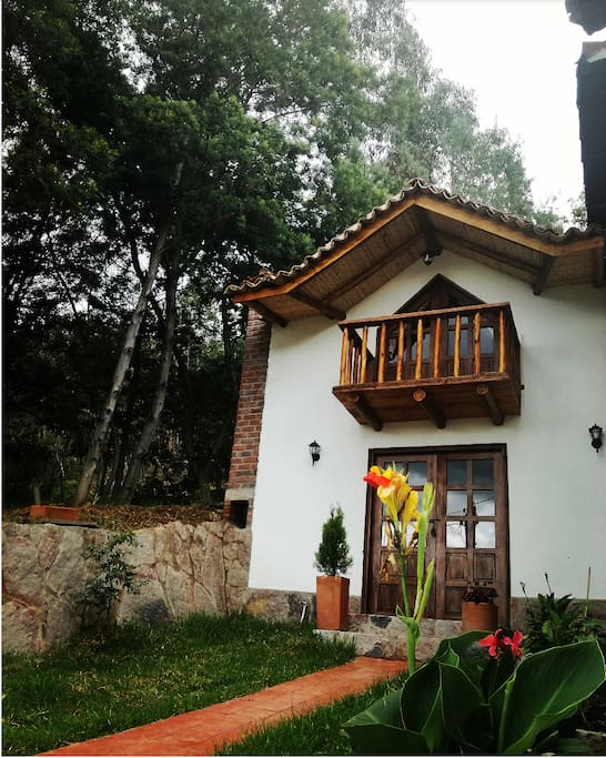 Fachada principal de la Cabaña San Fernando