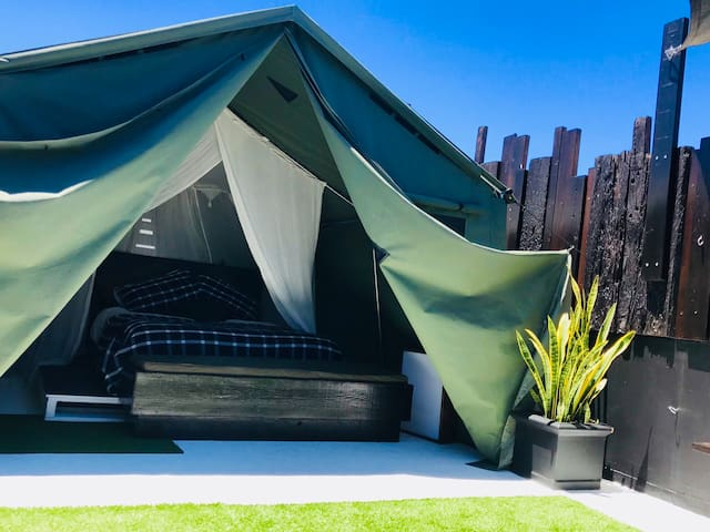 PRIVATE ROOFTOP GLAMPING, MANLY