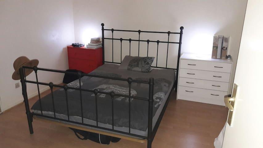 chambres confortables avec lit 2 personnes