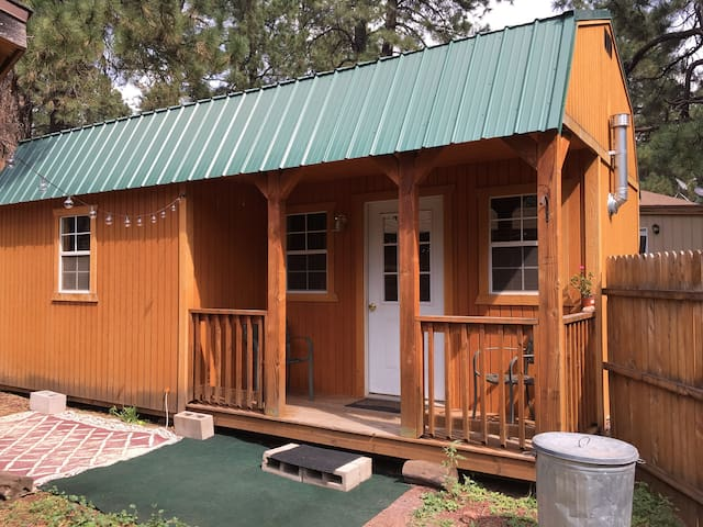 Cabin in the pines, within 1 hour to Grand Canyon