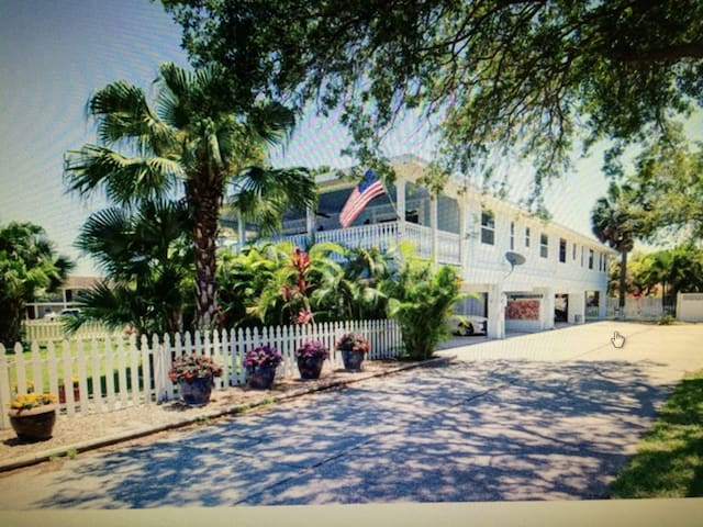 Home away from home (at the beach) - Indian Rocks Beach - House