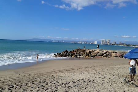 Apto. Con excelente ubicacion. - Puerto Vallarta - Apartamento