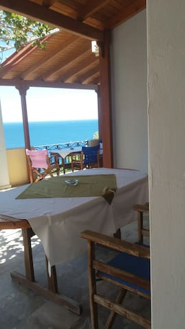 Two private terraces/covered with fantastic seaview/sunsets
