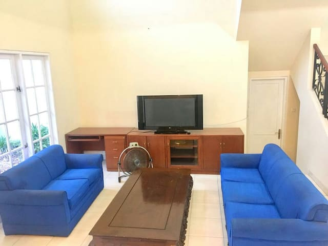 Affordable Cozy Room for 3 pax in Kota Wisata