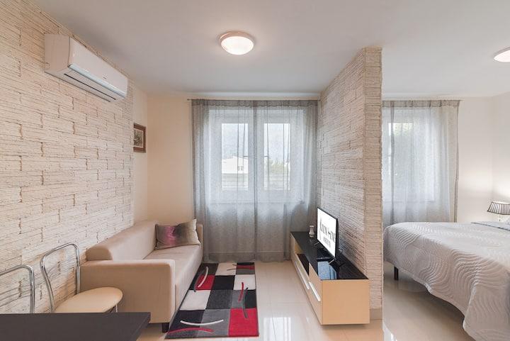 Koroni Home Apartments 11