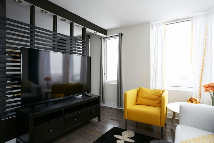 1247-New Cozy penthouse downtown MTL