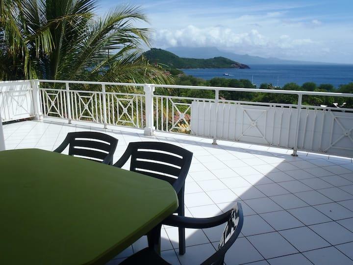 Beau duplex vaste terrasse très belle vue mer