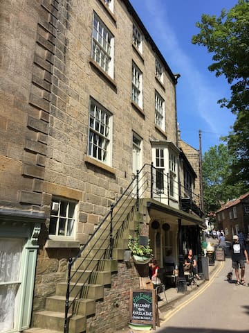 Luxury Cottage in the Heart of Robin Hood's Bay
