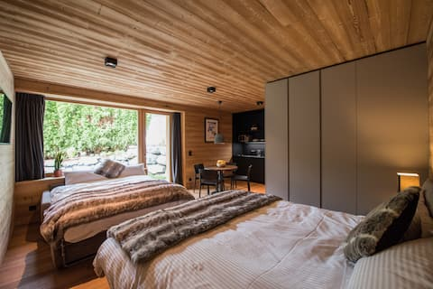 Vakker studio med hage, fantastisk hus