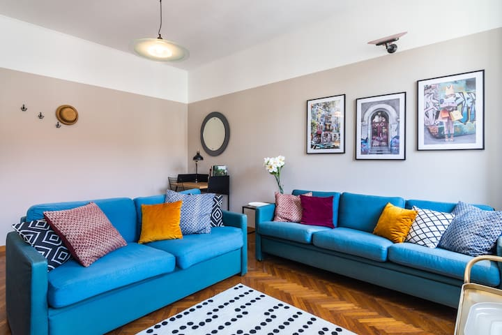 2 Bedrooms Apartment In The City Center