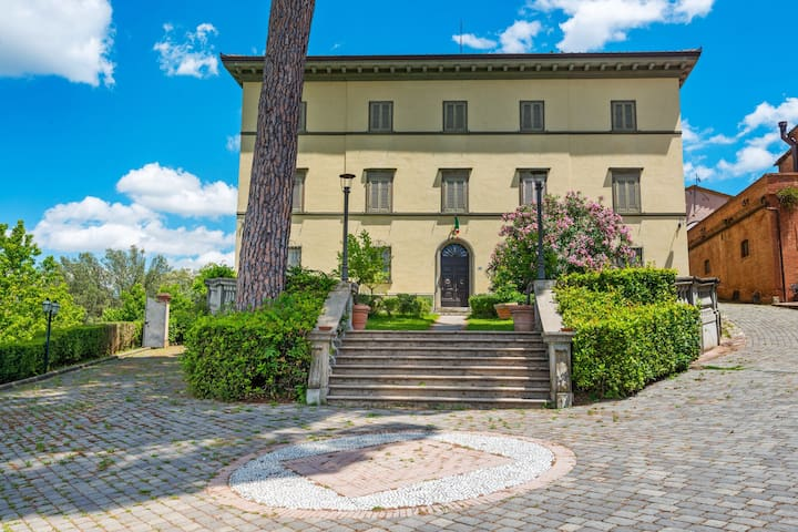 Graceful Apartment in San Miniato with Swimming Pool