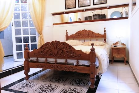 Hostal Jose Ramon-Suite 80m2 with WiFi included