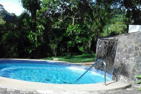 Full House 5 bed/2 B sleeps 6 pax w/pool - Herradura