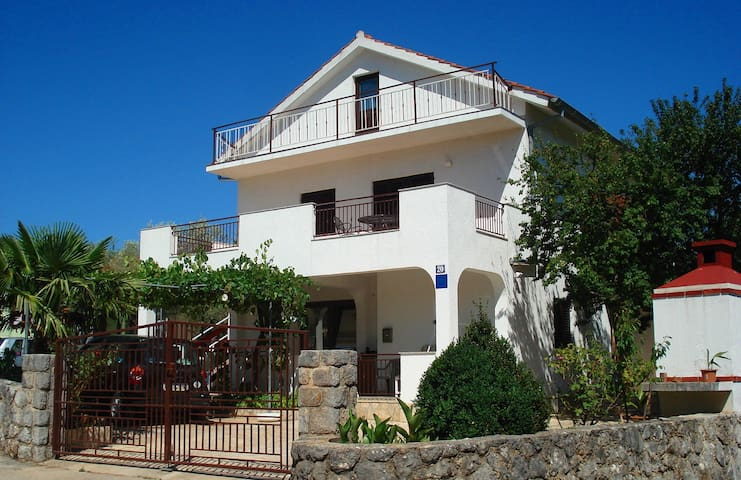 Cozy apartment, Krk Island, Zgaljici - Linardići - Apartment