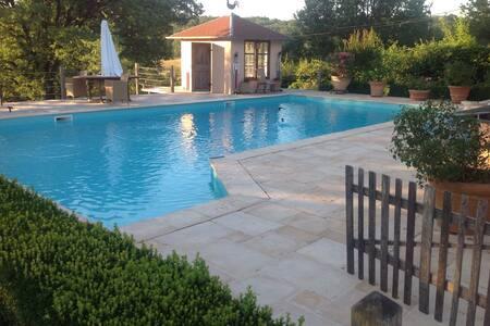 Historisches Landhaus mit allem Komfort und Pool
