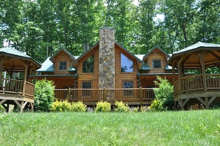 Cherokee Timber Lodge - Whittier - Zomerhuis/Cottage