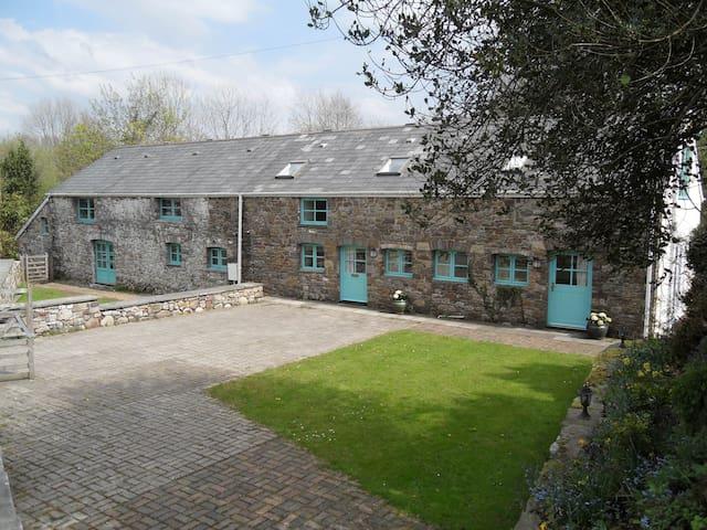 5* Luxury Barn Conversion - Glyn Cynwal Isaf